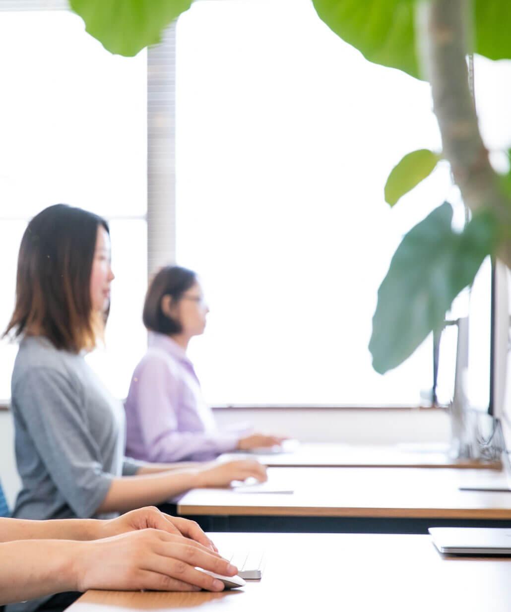 ビジネス課題の解決を重視し、<br>お客さまに寄り添う伴走型のWeb戦略パートナーとして